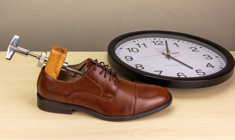 Shoe Stretcher Use - How Long to Stretch Shoes with Shoe Stretcher - 8 Hours Minimum