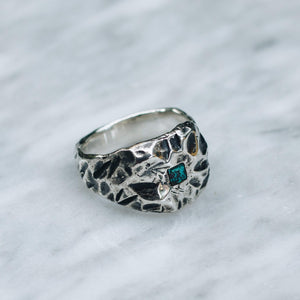 ANCIENT OF DAYS RING | 925 STERLING SILVER w/TURQUOISE CENTERPIECE - JewelryLab