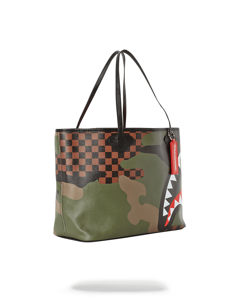 SPRAYGROUND- SHARKS IN PARIS (CAMO EDITION) TOTE TOTE