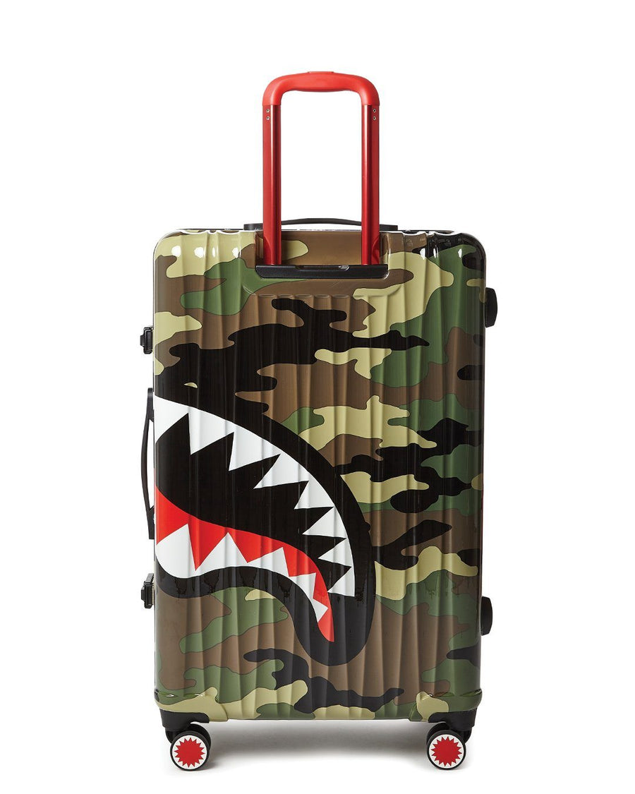 "SHARKNAUTICS (CAMO) 29.5"" FULL-SIZE LUGGAGE"
