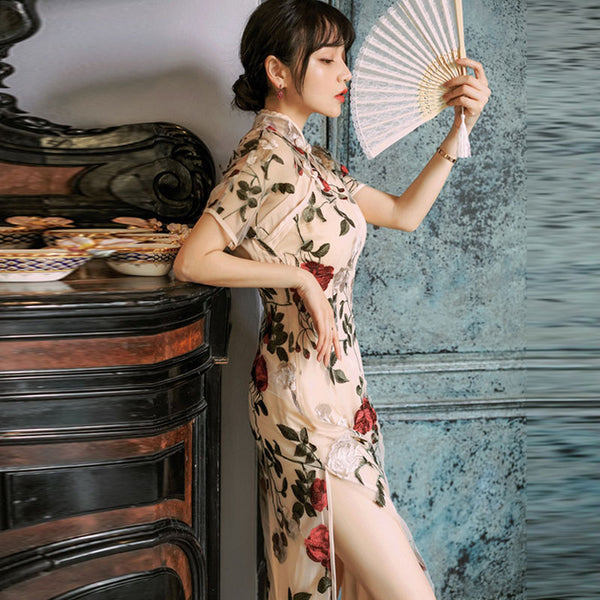 Stand collar embroidered cheongsam dresses
