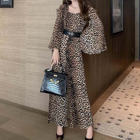 Square neck flare sleeve leopard pant suits
