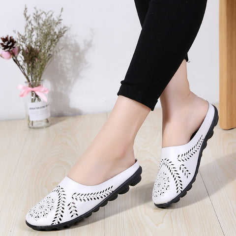 Non-slip openwork leather slippers