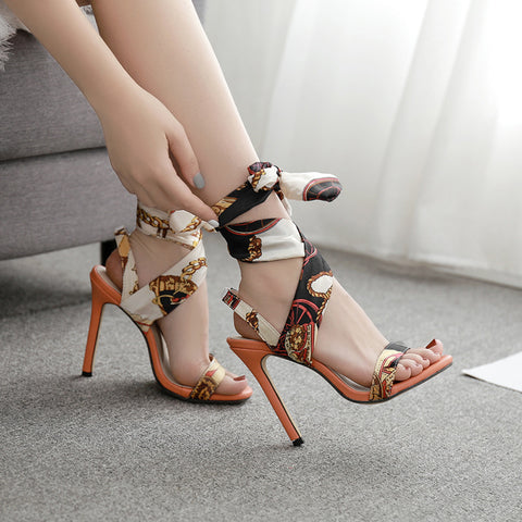 Print ankle-tied sandals