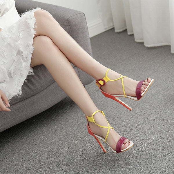 Hit color ankle-strap sandals