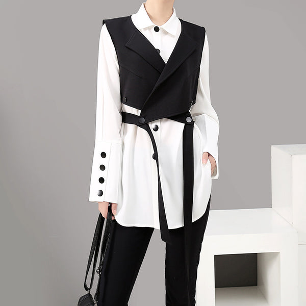 Mid long buttoned white blouses with black vest