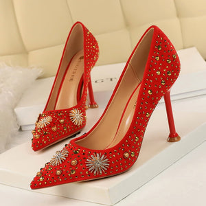 Retro diamante embellishment velvet high heels