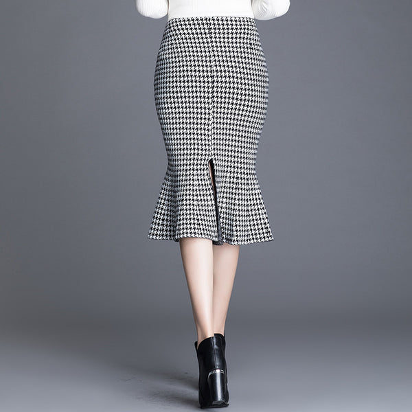 Fold detail knitted peplum skirts