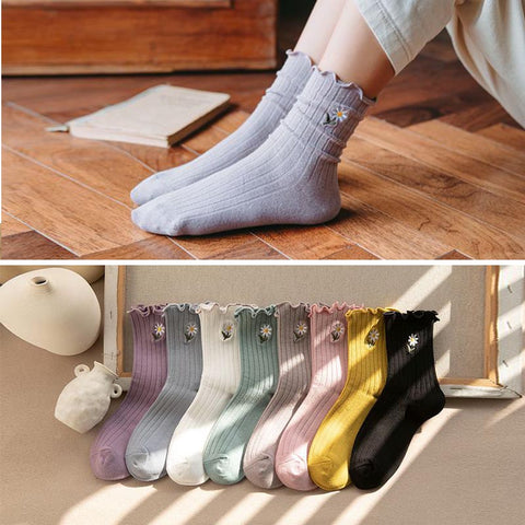 10 pairs ruffled embroidered ankle socks
