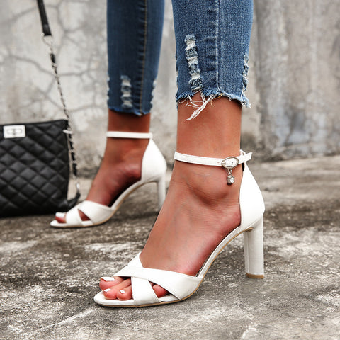 Open toe pin-buckle straps fastening sandals