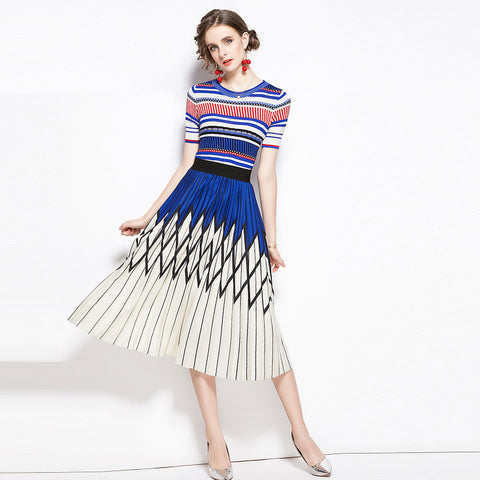 Crew neck striped t-shirts & pleated skirts