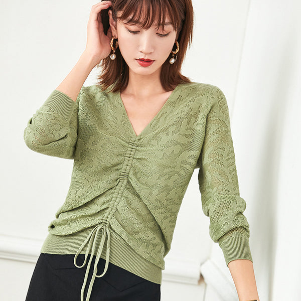 V-neck tied knit tops