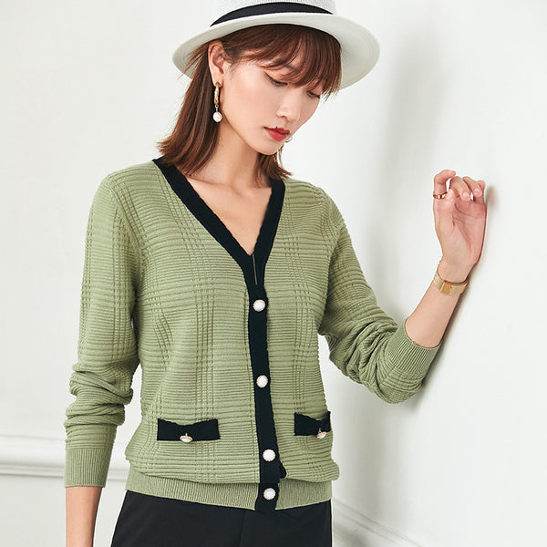 V-neck cardigans with pockets