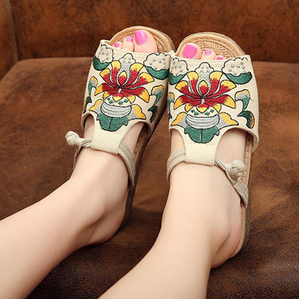 Peep toe embroidered slippers