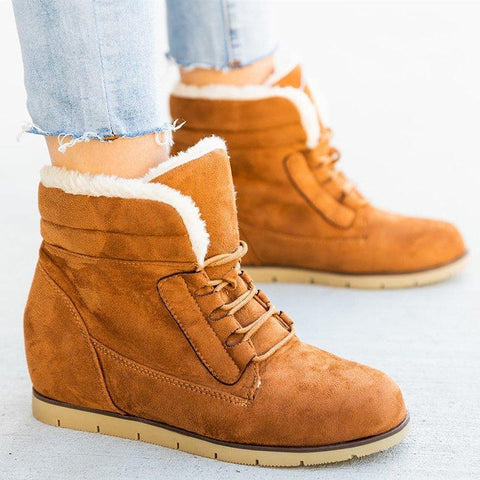 Lace-up suede rounded snow boots