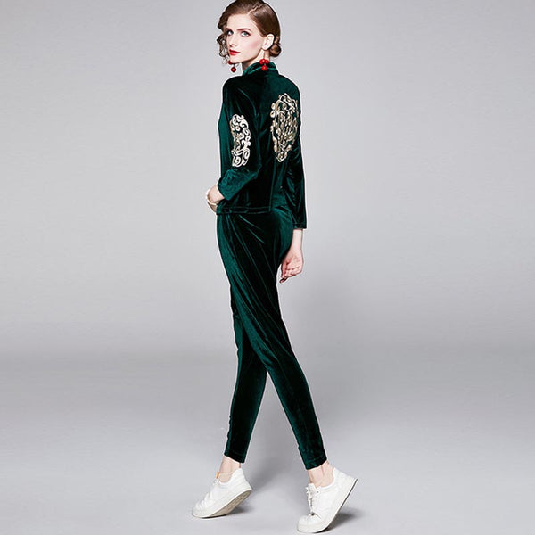 Embroidered sweatshirt &harem pants