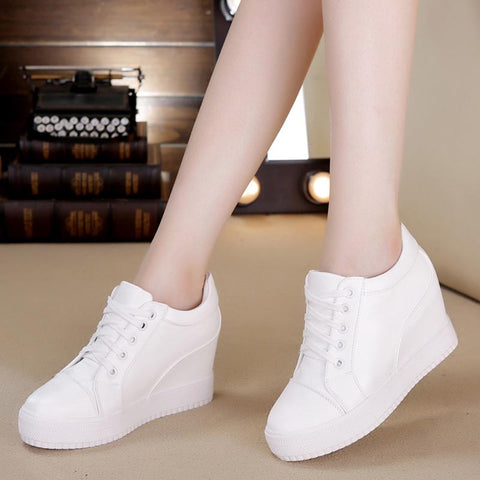 Lace-up increased internall casual shoes