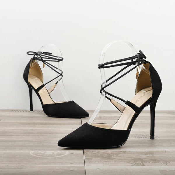 Pointed toe ankle-strap fastening heels