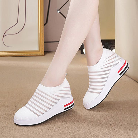 Breathable openwork knitted casual shoes