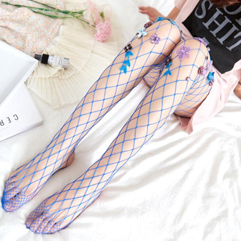 Beaded fishnet elastic pantyhoses