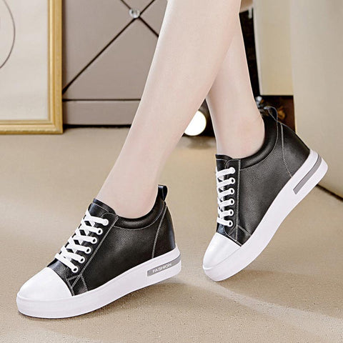 Lace-up high top casual shoes