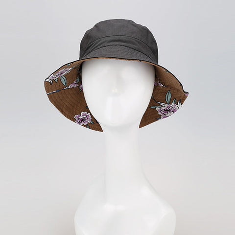 Reversible print bucket hats