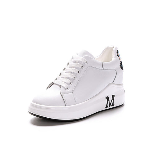 Solid color lace-up fastening platform sneakers