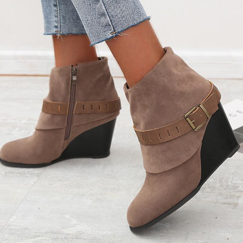 Suede pin-buckle wedge zipper boots