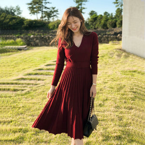 Long sleeve pleated sweater dresses