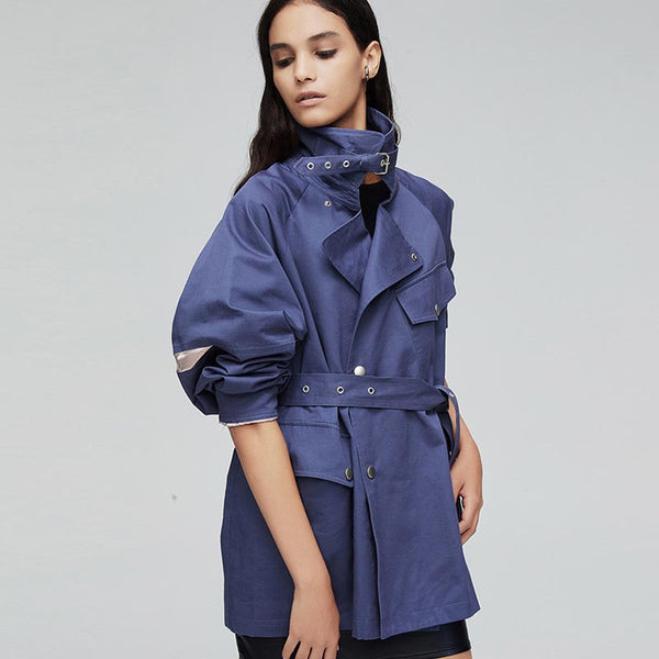 Turn-down collar belted short trench coats