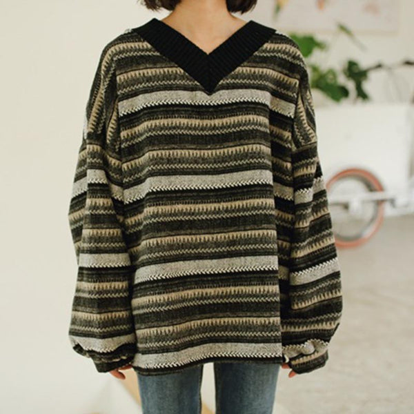 V-neck striped bat sleeve pullover sweaters