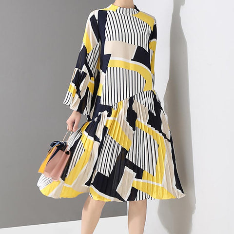 Mock neck print pleated shift dresses