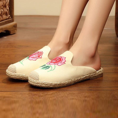 Patchwork embroidered closed toe beach slippers