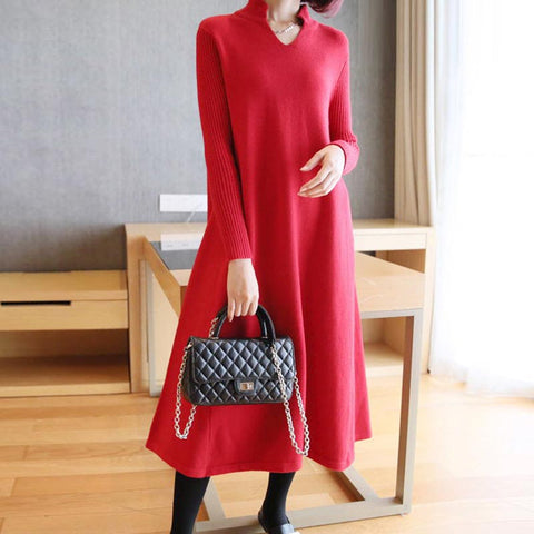 V-neck shift fine-knit sweater dresses