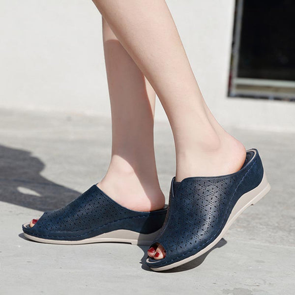 Openwork peep toe wedge slippers