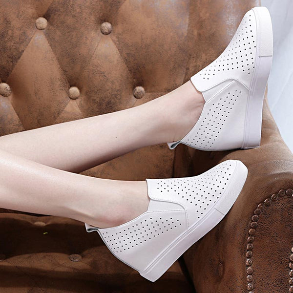 Openwork increased internall leather shoes