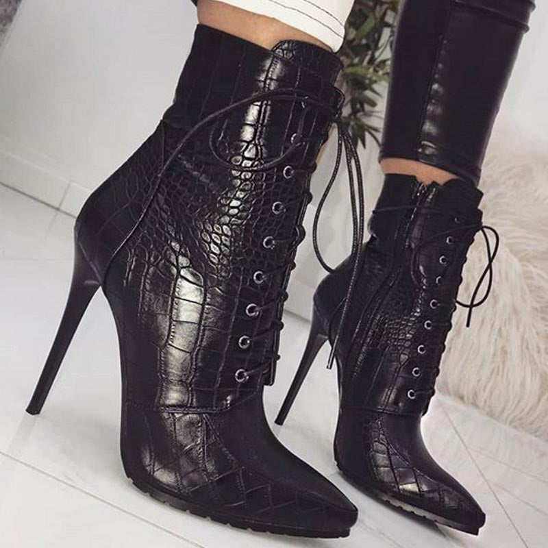 Pointed toe snake short boots