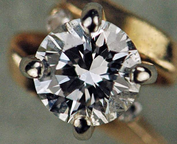 Don't know how diamonds are graded? Trade secrets revealed, diamonds made easy.