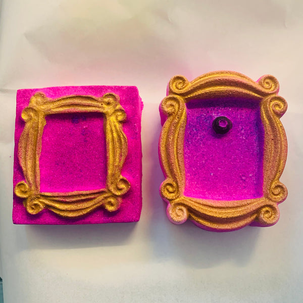 Picture frame bath bomb