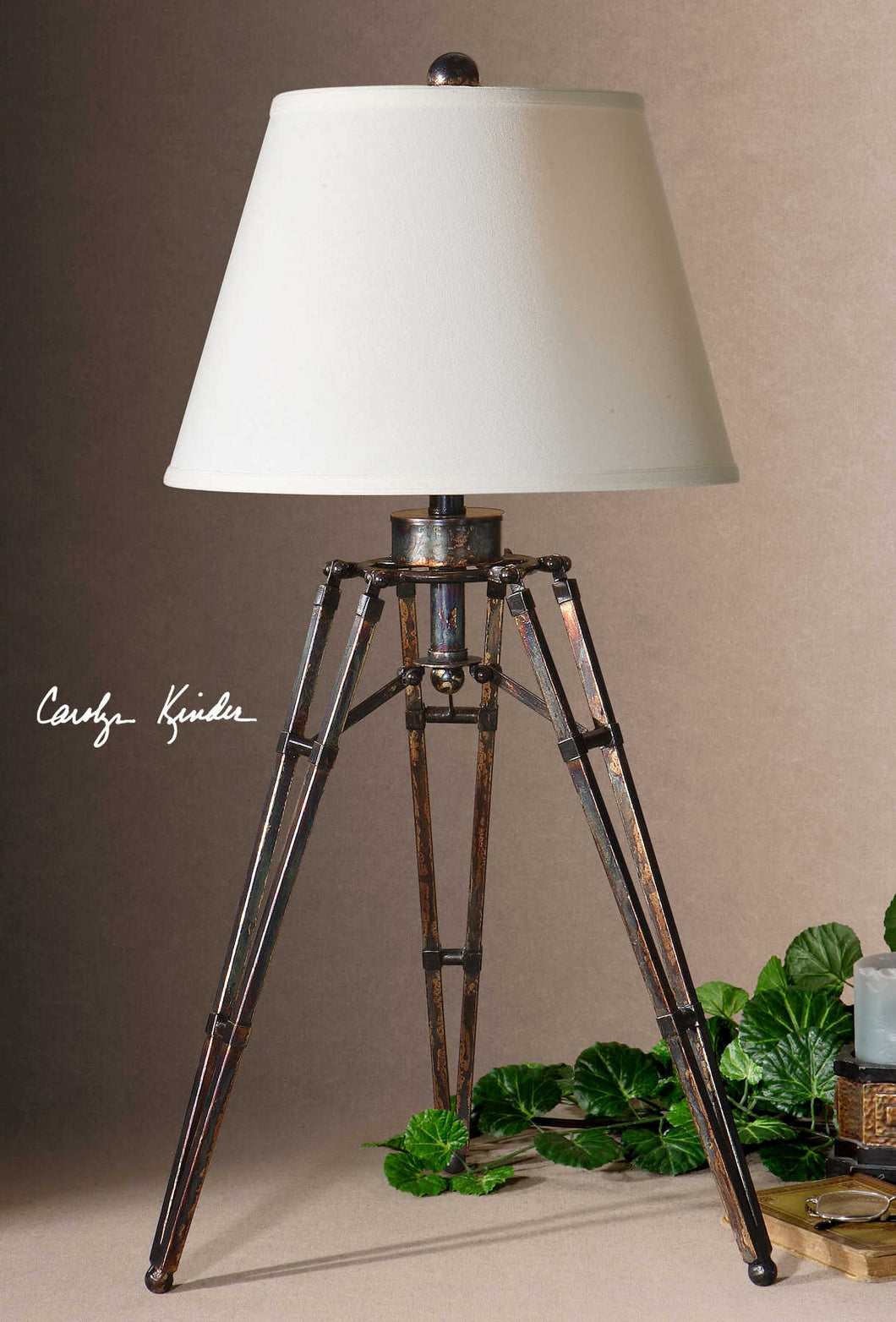 TUSTIN TABLE LAMP