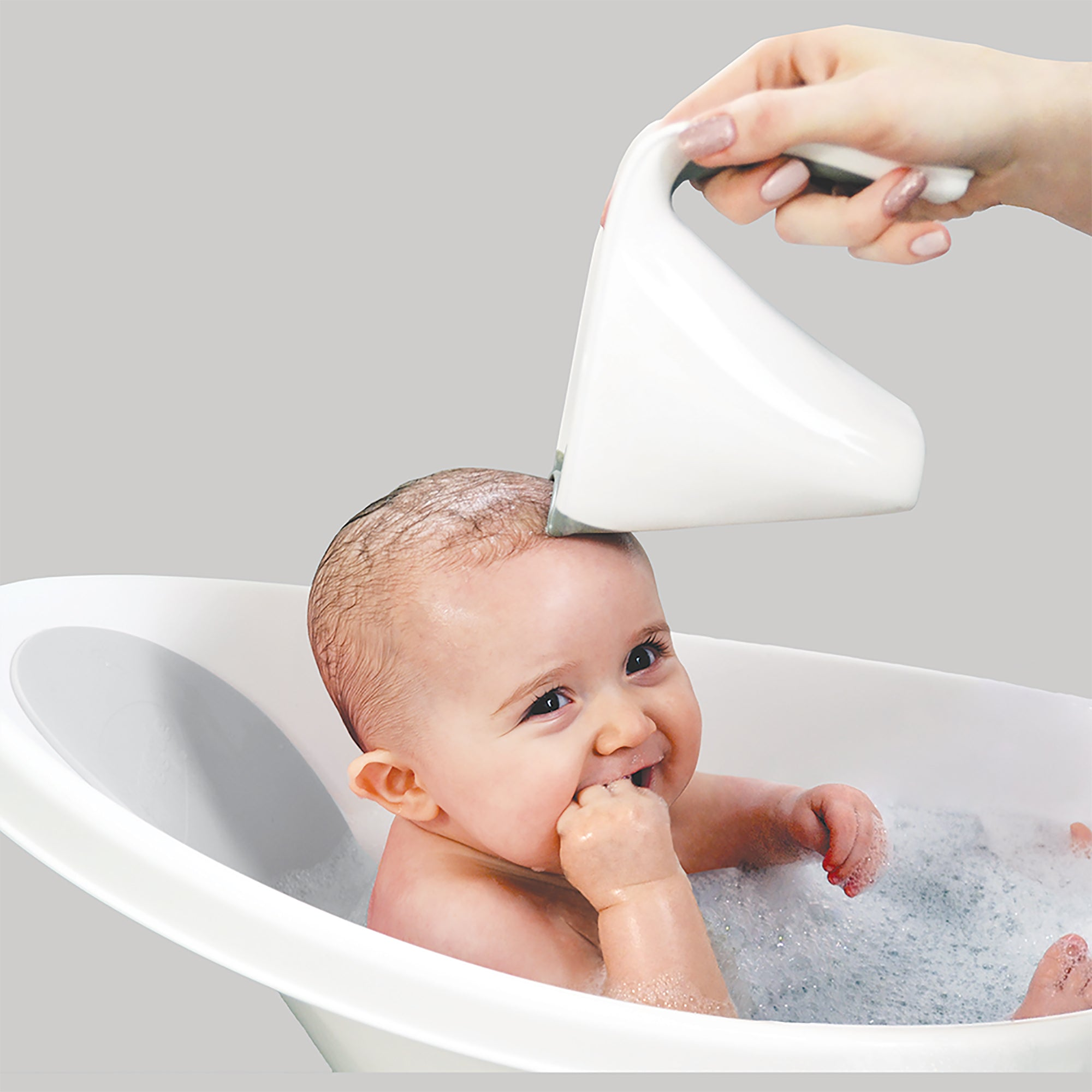 Baby bath with plug & foam backrest