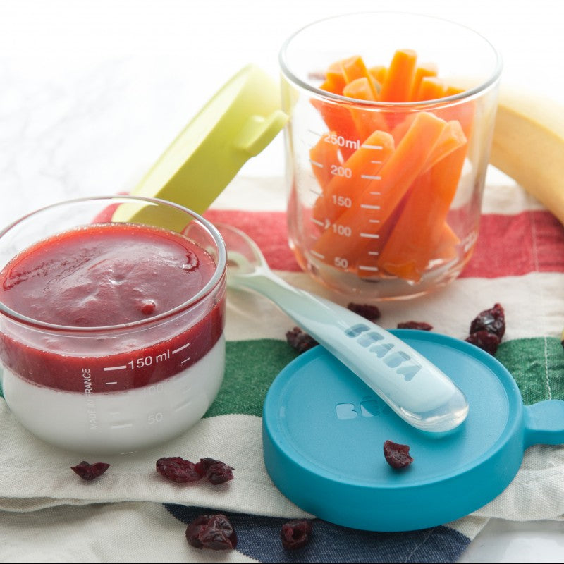 Beaba Glass conservation jars can be used to store snacks, purees and desserts