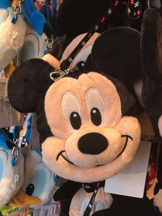 TDR - Crossbody Plush Passholder - Mickey Mouse