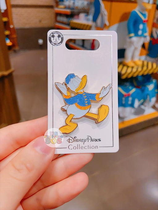 SHDL - Pin x Donald Duck with Chinese Traditional Clothing Changshan