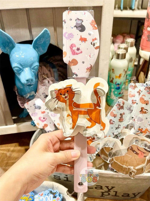 DLR - Disney Reigning Cats & Dogs 🐾 - Disney Cats Spatula & Cookie Cutter