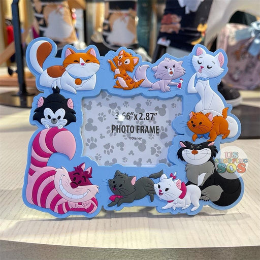 "DLR - Disney Reigning Cats & Dogs 🐾 - Disney Cats 3.66"" x 2.87"" Magnet Photo Frame"