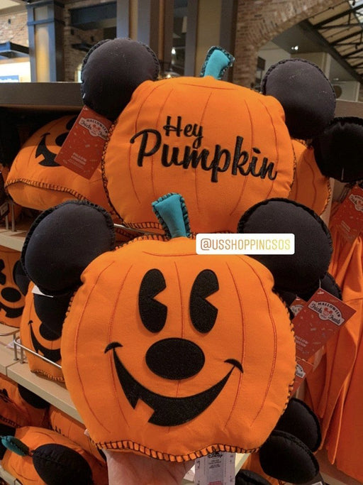 DLR - 🎃 Halloween Time 2020 - Mickey Pumpkin Cushion Pillow