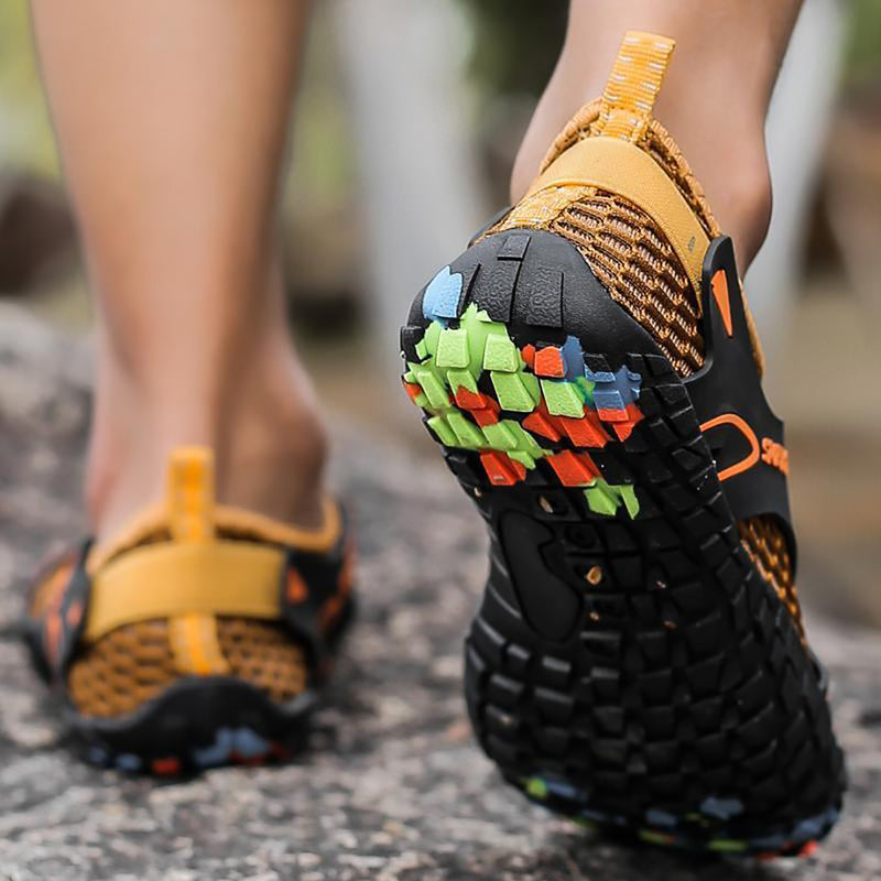 MEN&WOMEN SUMMER QUICK DRYING FIVE-FINGER OUTDOOR HIKING BEACH WATER SHOES