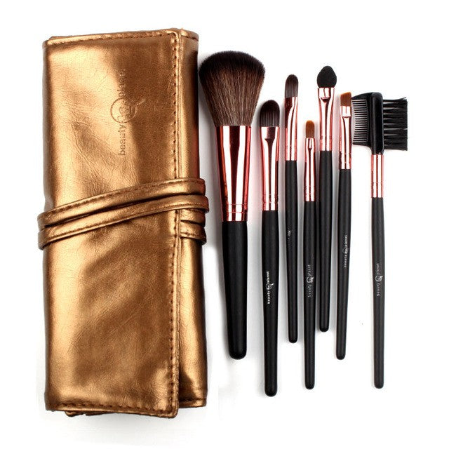Make up brush set in bronze