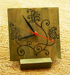 Wooden engraved table clocks